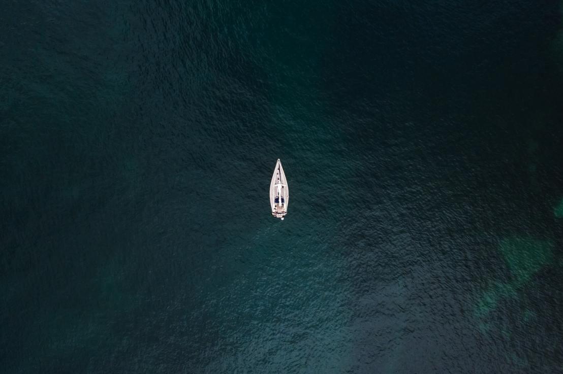Tecnologia em alto-mar: 5 aplicativos para quem amanavegar